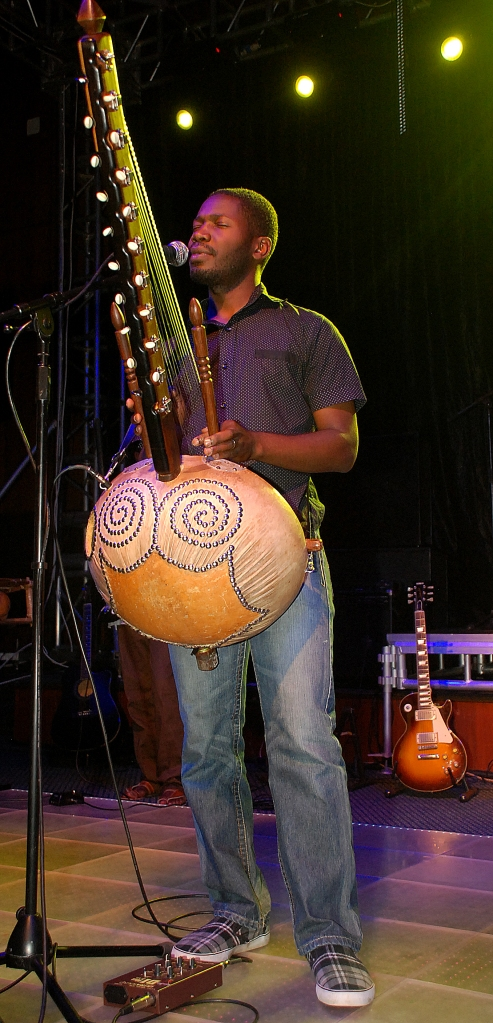 Herbert Kinobe graced the stage with the Kora. He has performed in Europe, USA, Canada and beyond alongside Youssou N'dour, Oliver Mutukudzi, Angelique Kidjo and many others